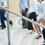 Manfaat Sering Naik Turun Tangga Mampu Mencegah Pikun