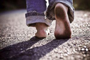 tanpa alas kaki