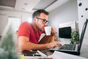 Permalink to Lebih Efektif Mana Bekerja di Rumah Atau di Kantor ?